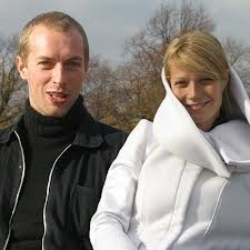 Chris Martin Gwyneth Paltrow take a shit