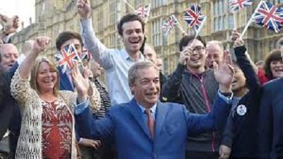 brexiters-celebrate