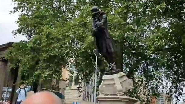 Jimmy Saviile statue